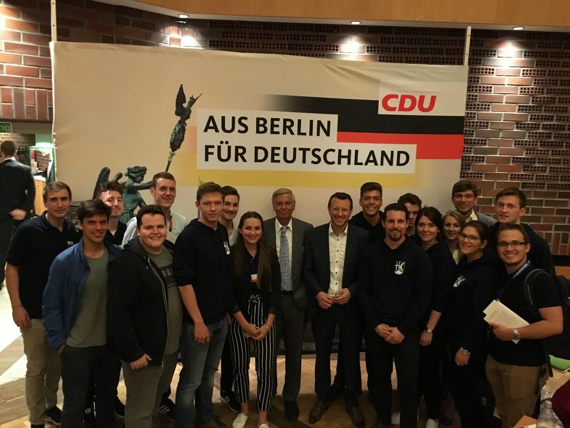 Im Wahlkampf zur Bundestagswahl durften wir u.a. CDU-Urgestein Wolfgang Bosbach bei uns im Kreisverband begrüßen.